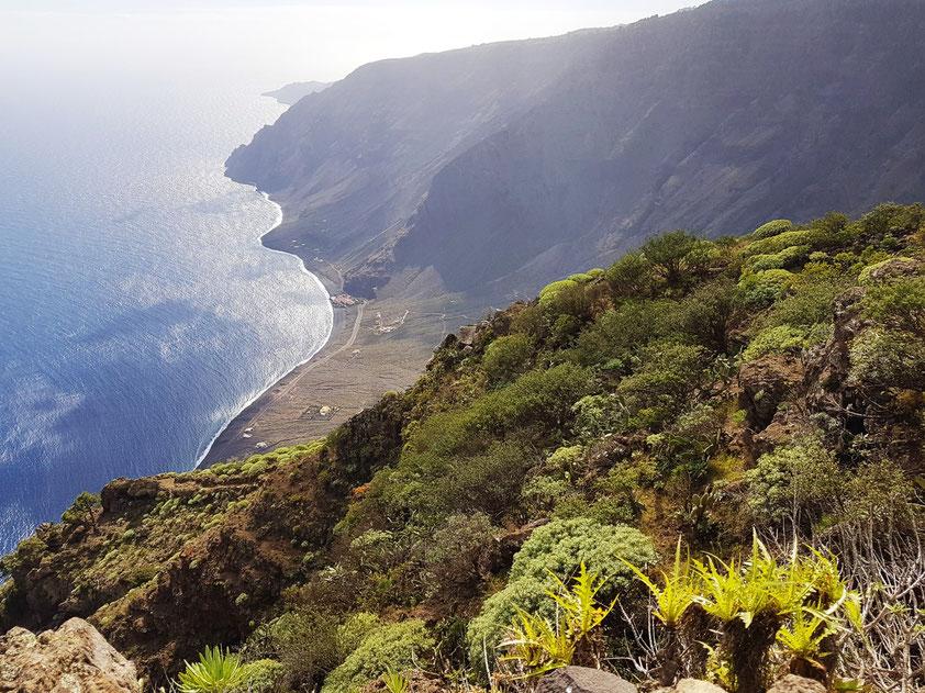 Blick vom Mirador de Isora auf Las Playas mit dem Parador Nacional