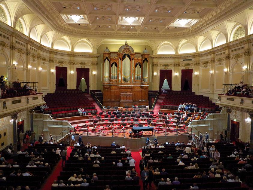 Concertgebouw Amsterdam, Blick von der Empore (Großer Saal mit 1962 Sitzplätzen)