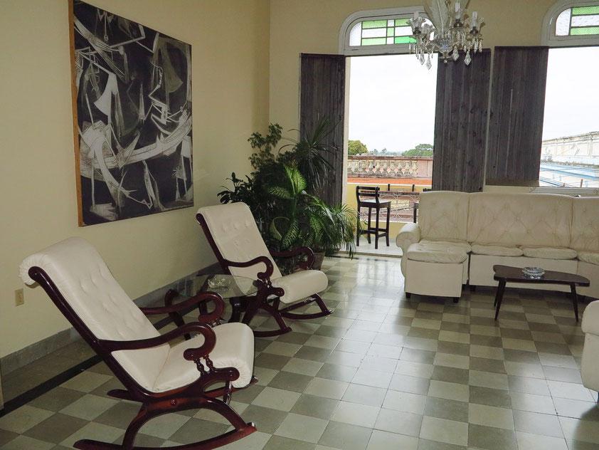 Camagüey, Wohnzimmer unseres Hostal CasAlta (Casa Particular)