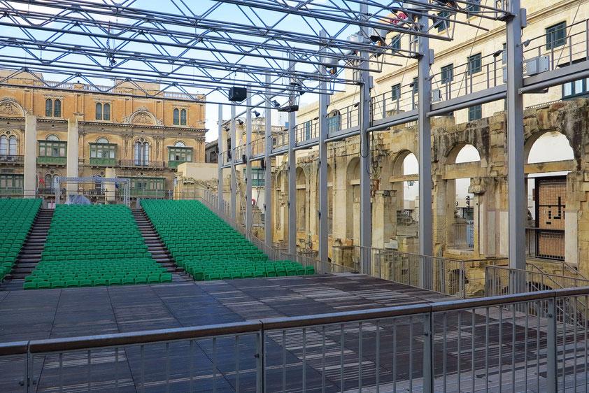Valletta. In den Ruinen des alten Opernhauses von 1877, das im 2. Weltkrieg zerstört worden war, entstand ein Open-Air Theater für 1000 Besucher (Entwurf: Renzo Piano)