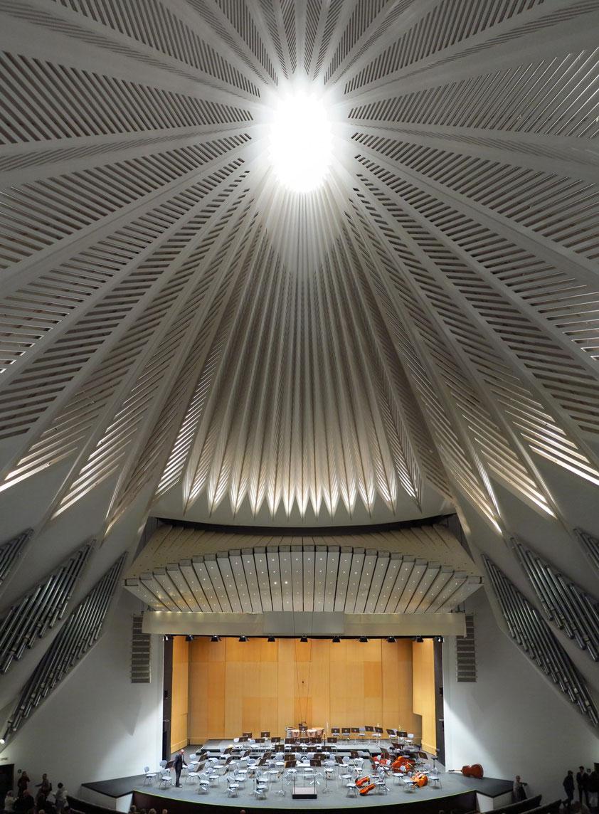 Bühne und Decke des Auditorio de Tenerife