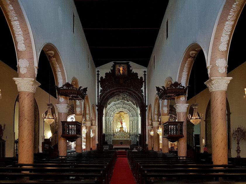 Igreja Matriz de São Sebastião, Hauptschiff mit Blick zum Altar
