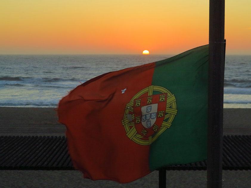 Sonnenuntergang an der Küste von Espinho