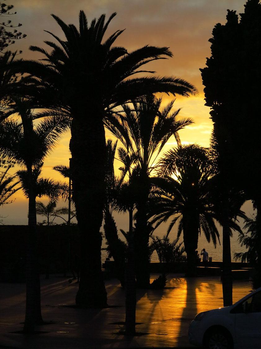 Mirador La Paz bei Sonnenuntergang