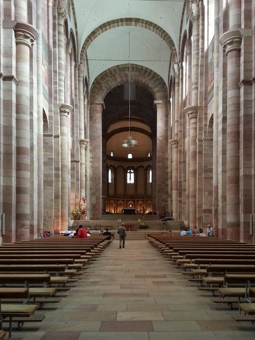 Kaiserdom zu Speyer, Hauptschiff nach Osten