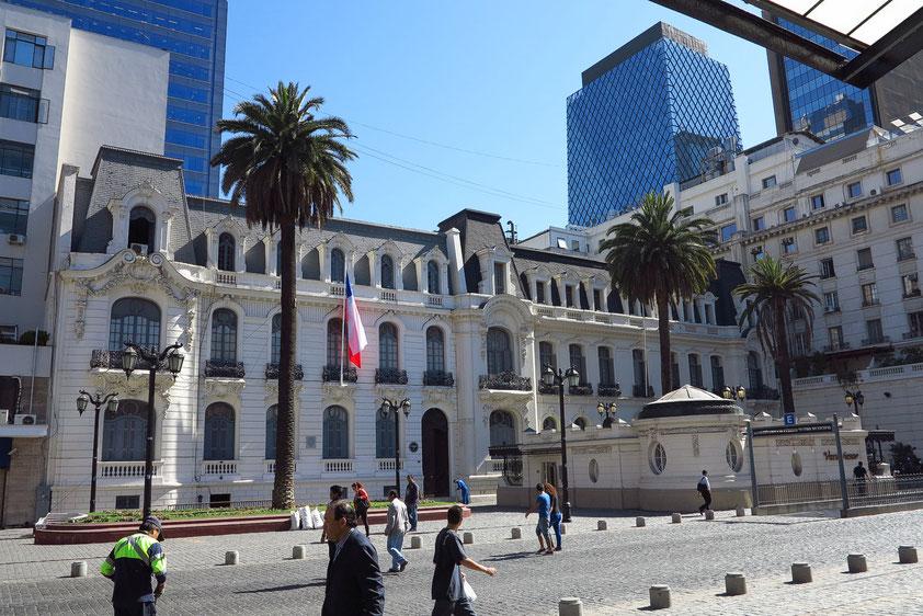 Gebäude gegenüber dem Teatro Municipal