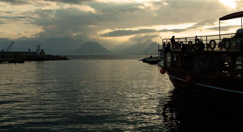 Im Alten Hafen von Antalya, Blick nach Westen