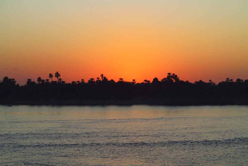 Abendstimmung auf dem Nil nach dem Ablegen von Kom Ombo