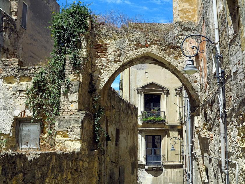 In der Treppengasse zum Palazzo Pippia-Manca