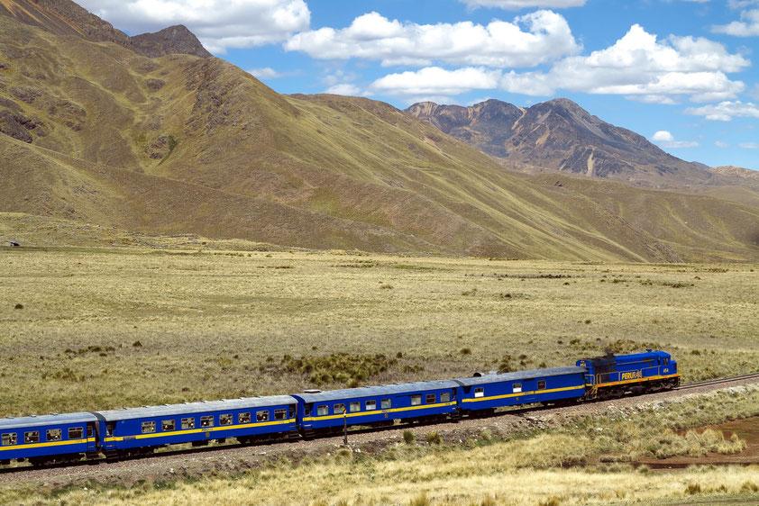 Eisenbahn von Cusco nach Puno im peruanischen Hochland
