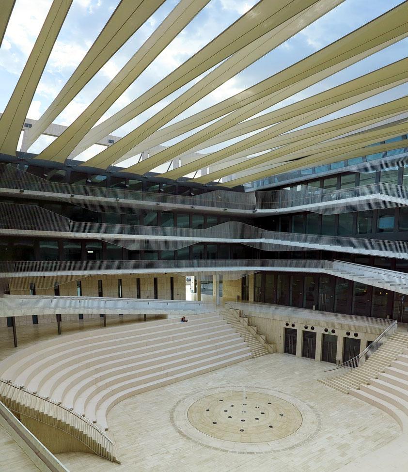 GUtech, großes Amphitheater für Versammlungen