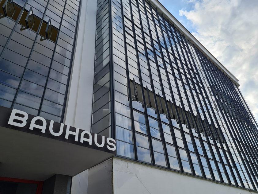 Bauhaus Museum Dessau, längste Wirkungsstätte des 1919 in Weimar von Walter Gropius gegründeten Bauhaus mit Forschung und Museum