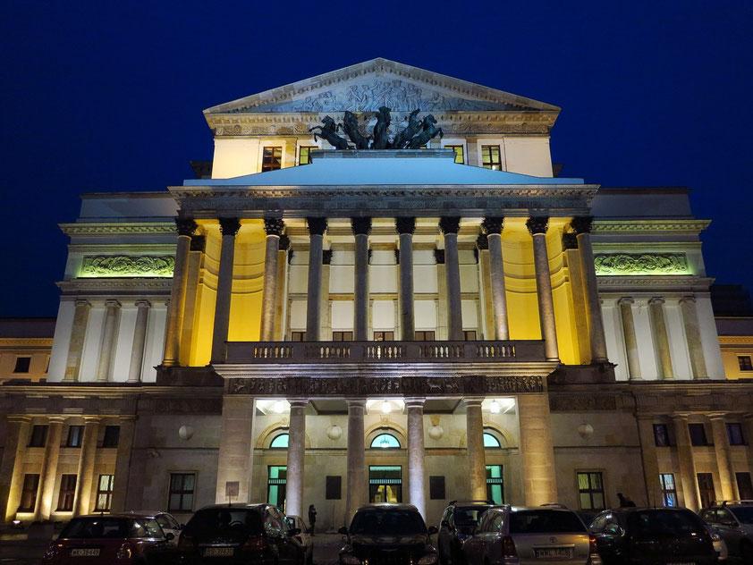 Teatr Wielki Opera Narodowa. Es beherbergt die Nationaloper (Opera Narodowa) und das Nationaltheater (Teatr Narodowy), 1825–33; 1952–65.