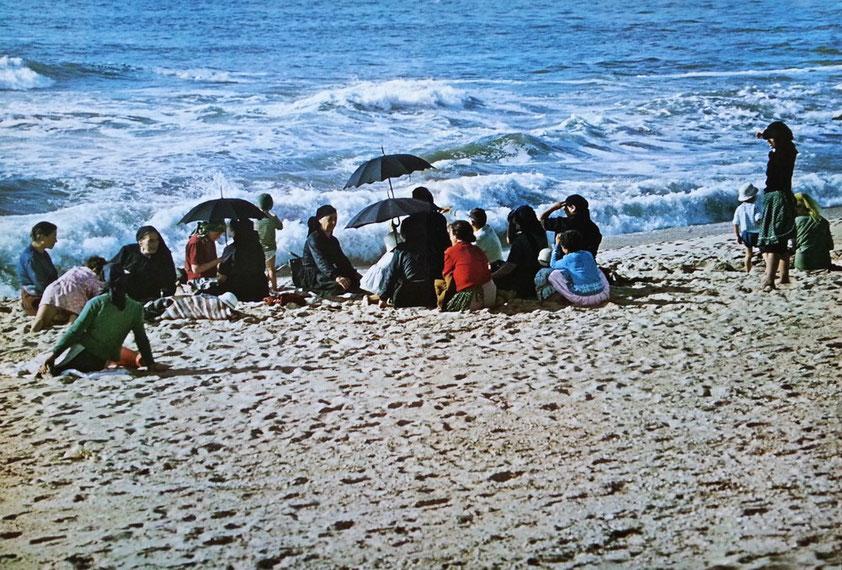 Sonntagnachmittag am Meer bei AVEIRO (Aufnahme 1967)