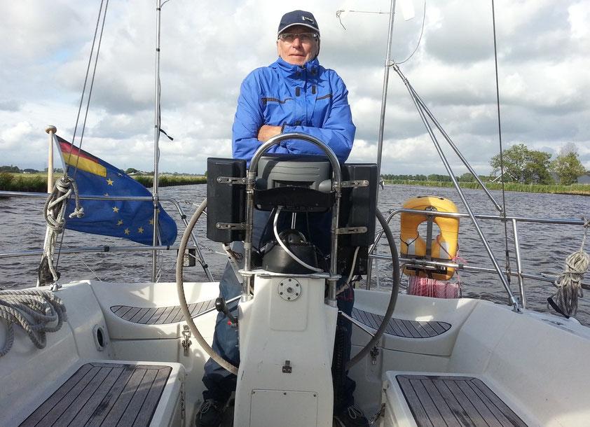 Auf dem Eemskanaal von Delfzijl nach Groningen, Niederlande