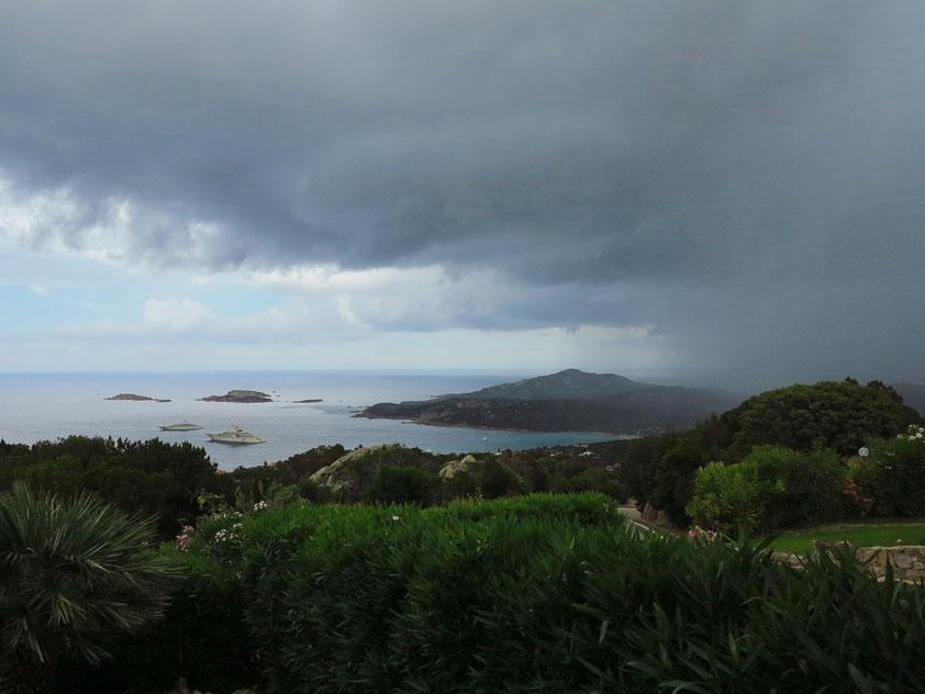 Regenschauer an der Costa Smeralda am 18.6.2016