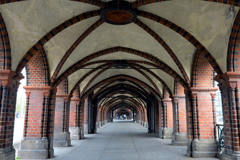Arkaden unter der Oberbaumbrücke