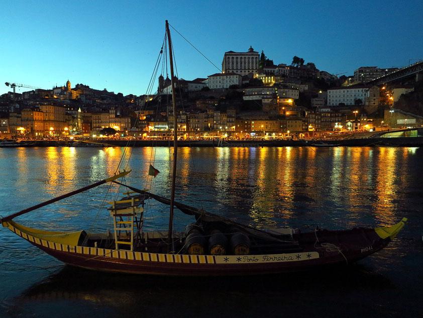 Blick von Vila Nova de Gaia nach Porto