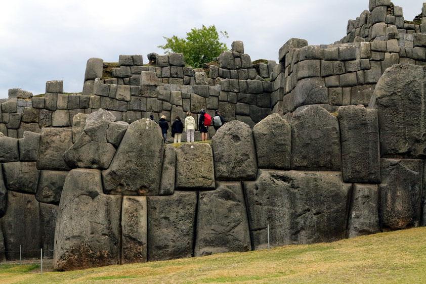 Zyklopenmauern der Inkafestung Saqsaywaman (Quechua), spanisch Sacsayhuamán