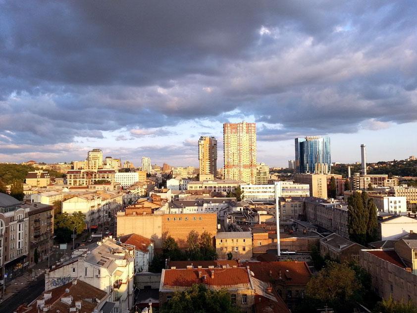 Abendstimmung in Kiew. Blick vom Hotel Lybid (13. Geschoss)