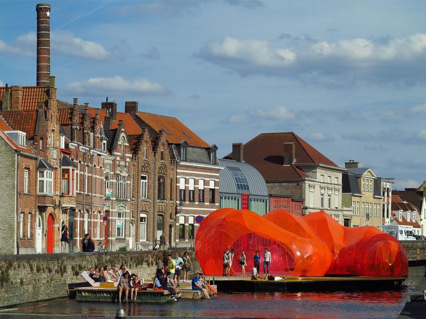 Brügge, Triennale 2018. Zeitgenössische Kunst und Architektur in der historischen Innenstadt von Brügge