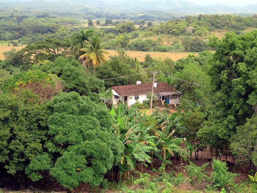 Blick vom Torre de Iznaga ins Tal der Zuckerfabriken