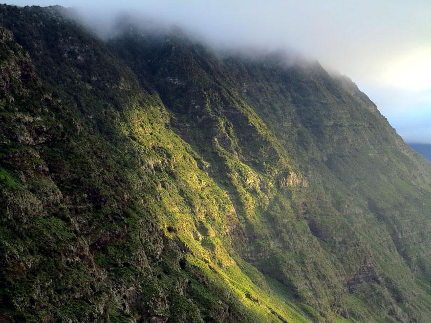 Blick vom Mirador de la Peña auf den Steilhang von El Golfo