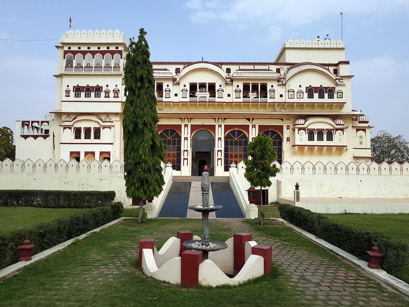 Heritage Hotel Surajgarh Fort, ein ehemaliger Maharadscha-Palast im Ort Surajgarh