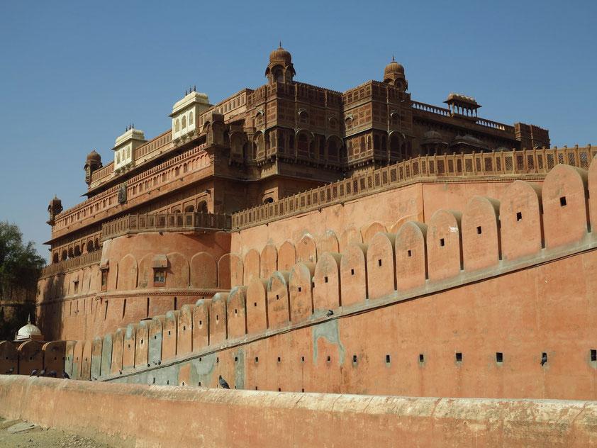 Bikaner. Junagarh Fort, Blick von der Junagarh Fort Road
