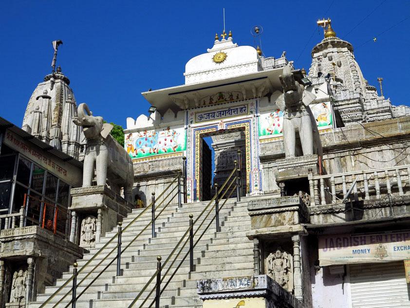 Aufgang zum Jagdish Tempel