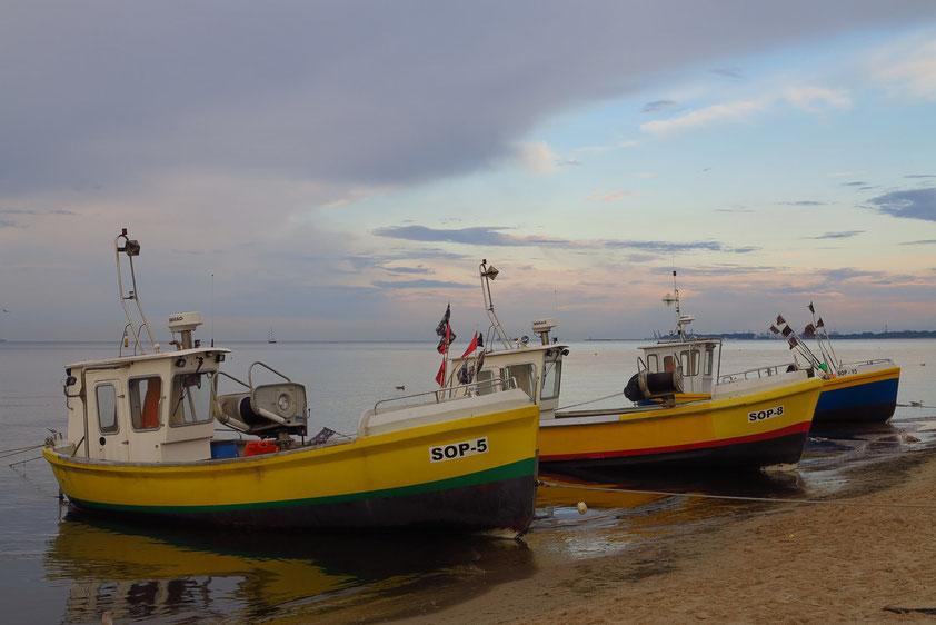 Abendstimmung mit Fischerbooten am Strand von Sopot (Zoppot)