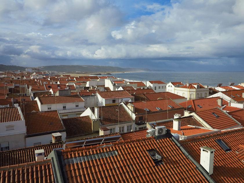 Blick von der Terrasse des Frühstücksraums im Hotel Maré nach Südwesten