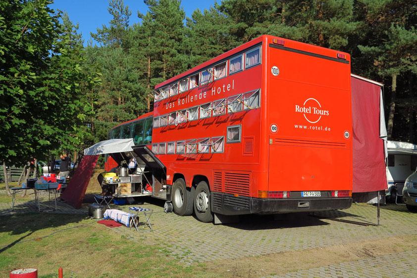 Das Rotel mit seitlicher Küche auf dem Campingplatz von Nida/Kurische Nehrung in Litauen