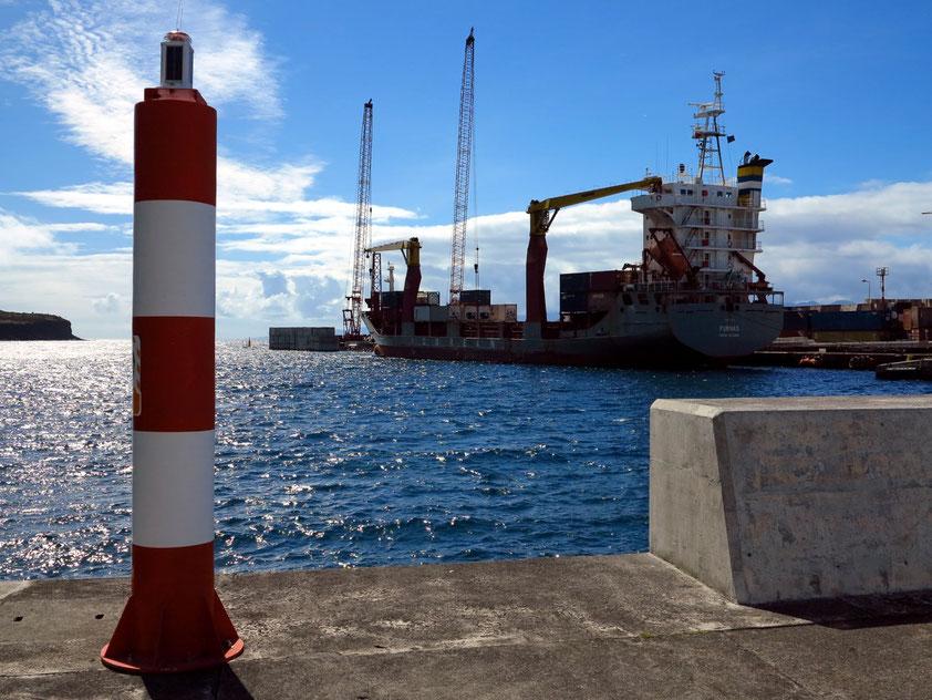Im Hafen von Velas