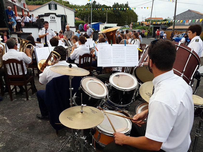Dorffest in Salao mit der Musikkapelle des Nachbarortes Cedros