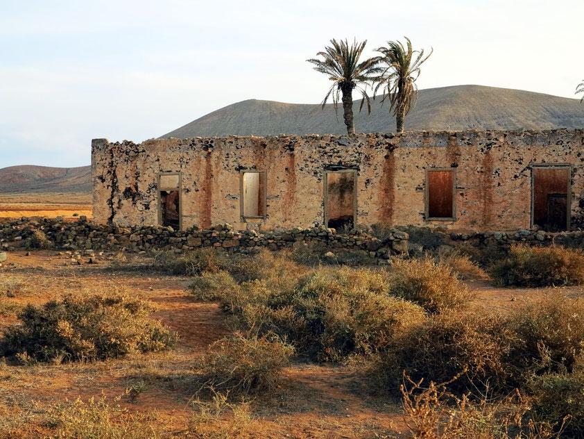 La Oliva, Ruine bei der Casa de los Coroneles