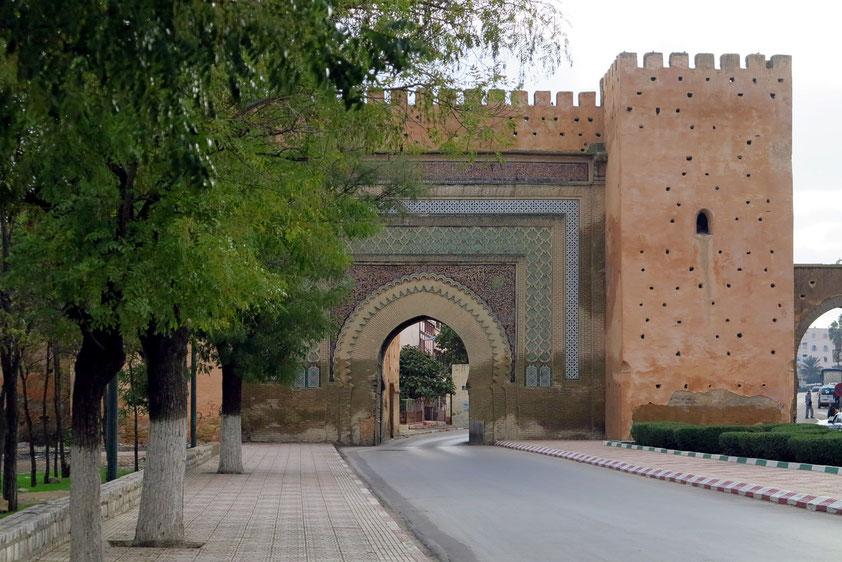 Meknés. Bab el Khemis, Stadttor aus der Zeit Moulay Ismails