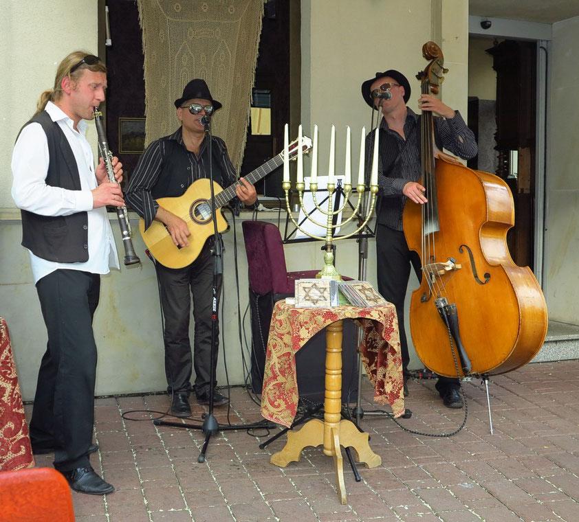 Klezmer-Musik vor dem Hotel Ester auf dem Jewish Square