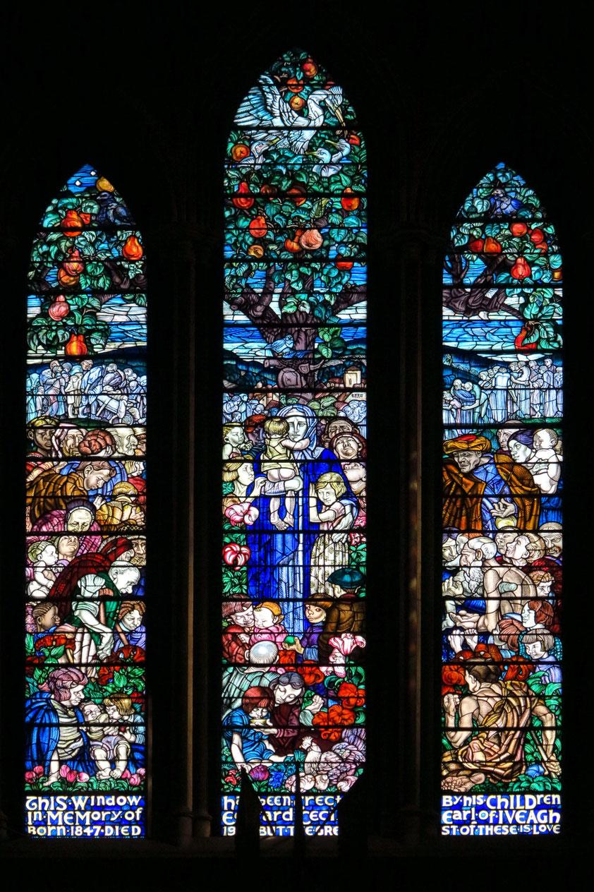 St.-Patrick-Kathedrale, Kirchenfenster im nördlichen Querschiff