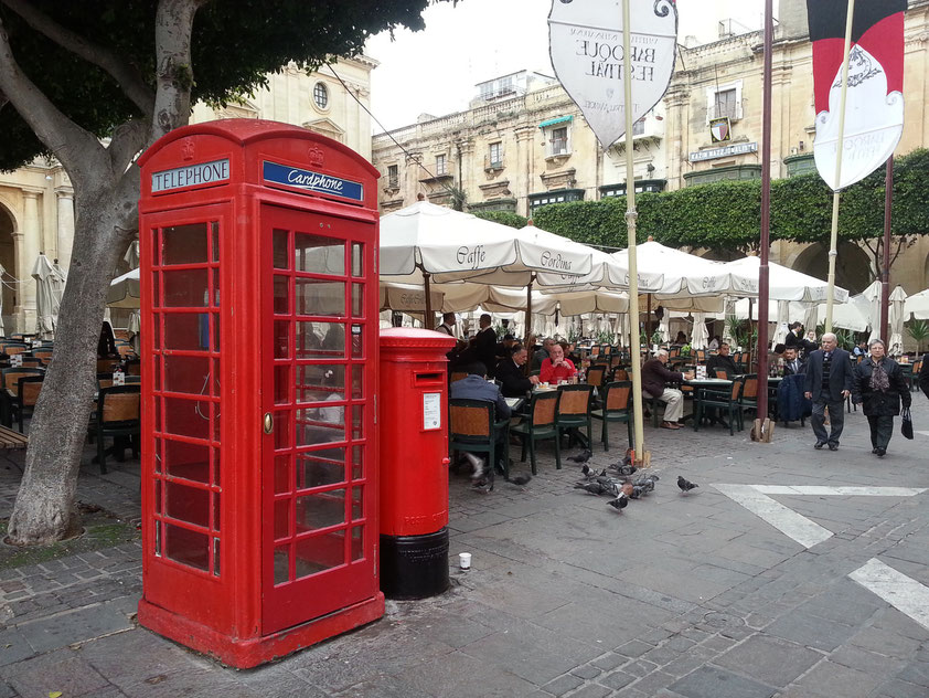 Das Straßencafé Cordina