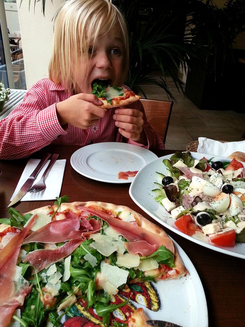 """""""Pizza...hmmm. Aber rohen Schinken mag ich nicht!"""""""