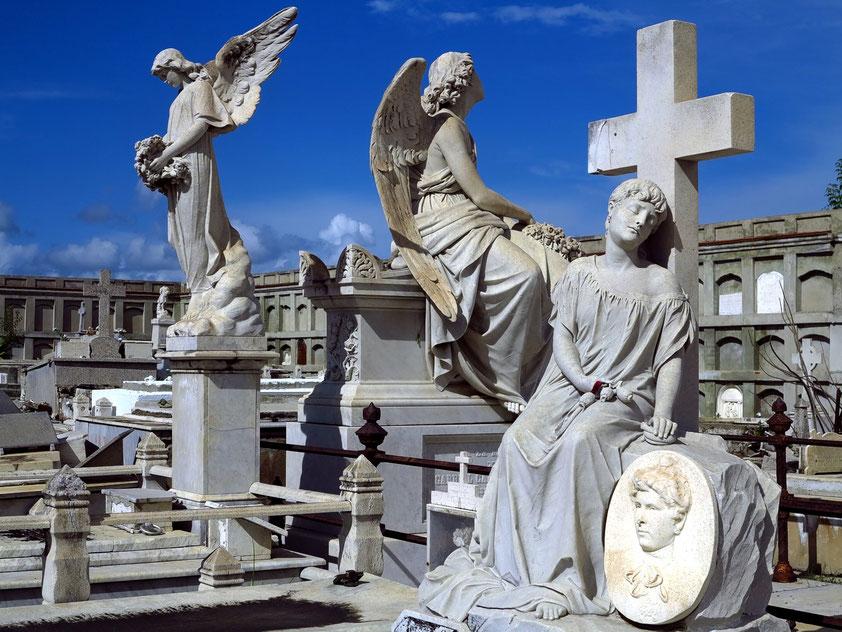 Cienfuegos. Cementerio La Reina mit sehr schönen Marmorgrabstätten