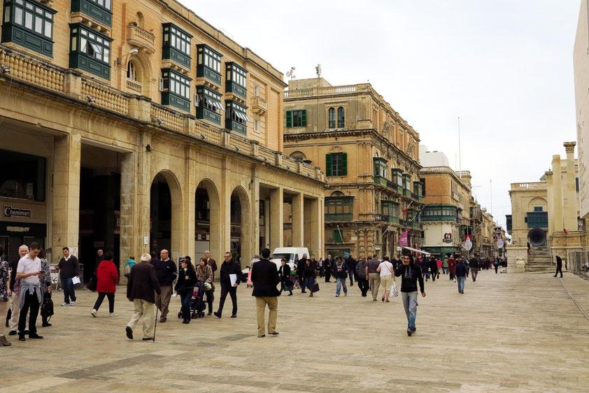 Republic Street - Hauptachse und Hauptgeschäftsstraße Vallettas