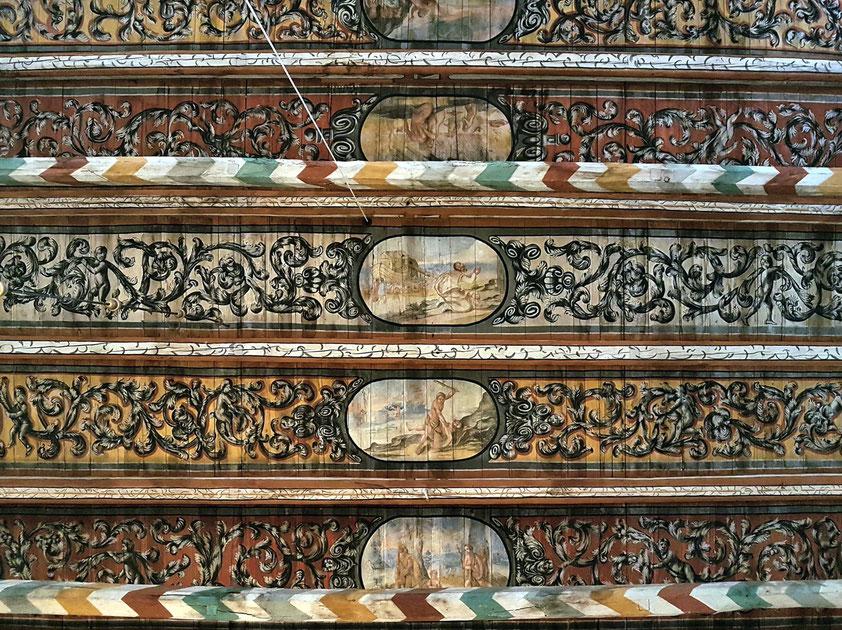 Heiligengeistkirche. Ausschnitt aus der Bretterdecke. (Die Sintflut endet mit der Errettung des Noah.)