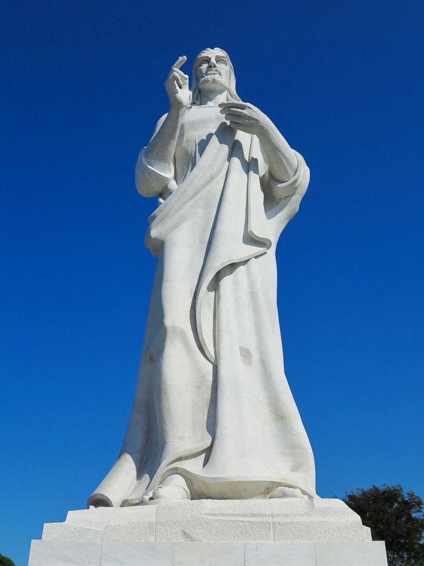 """Christus-Statue """"Cristo de la Habana"""" aus weißem Marmor auf dem steilen Ufer östlich des Canal de Entrada, Ende 1950er Jahre"""