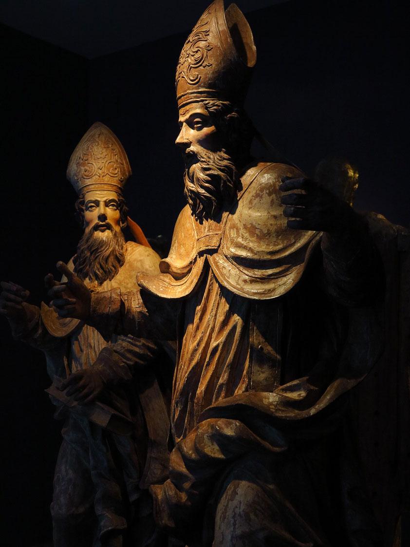 Nationalgalerie Bratislava. Sankt Augustin und Sankt Ambrosius (?), polychrome Holzfiguren, um 1740, unbekannte Bildhauer