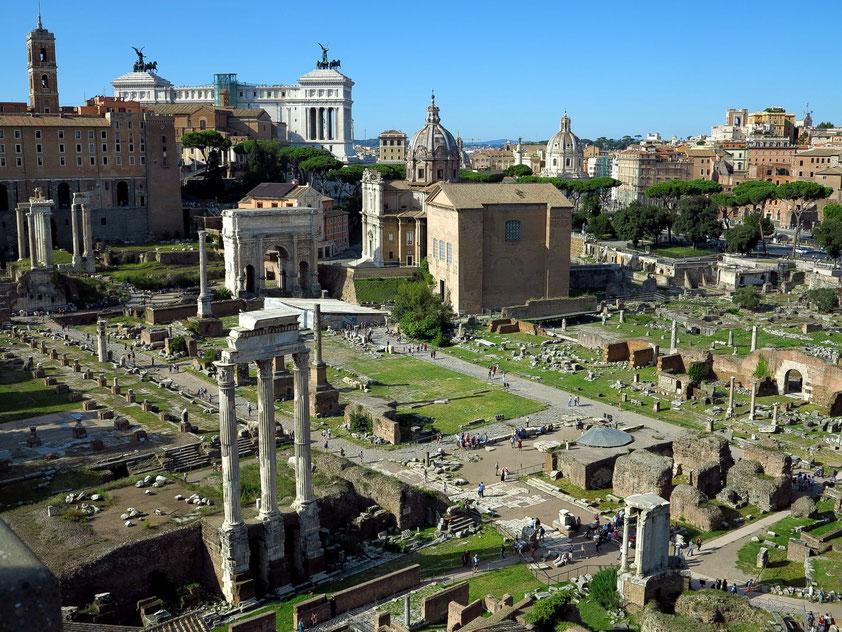 Blick vom Domus Tiberiana auf das Forum Romanum