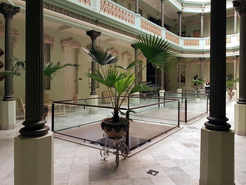 Hotel Raquel, Innenhof