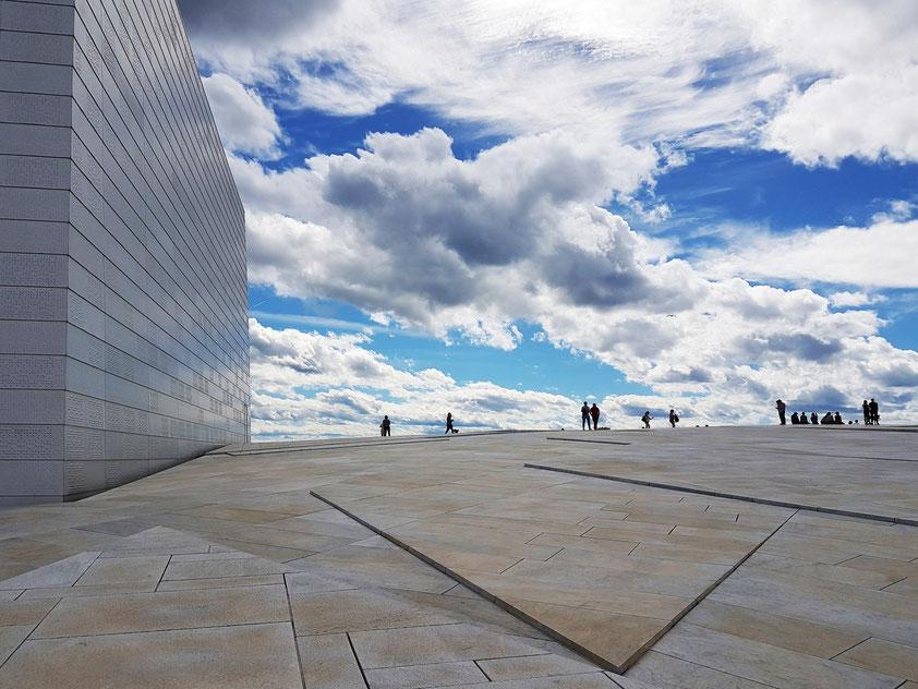 Auf dem Dach des neuen Opernhauses in Oslo
