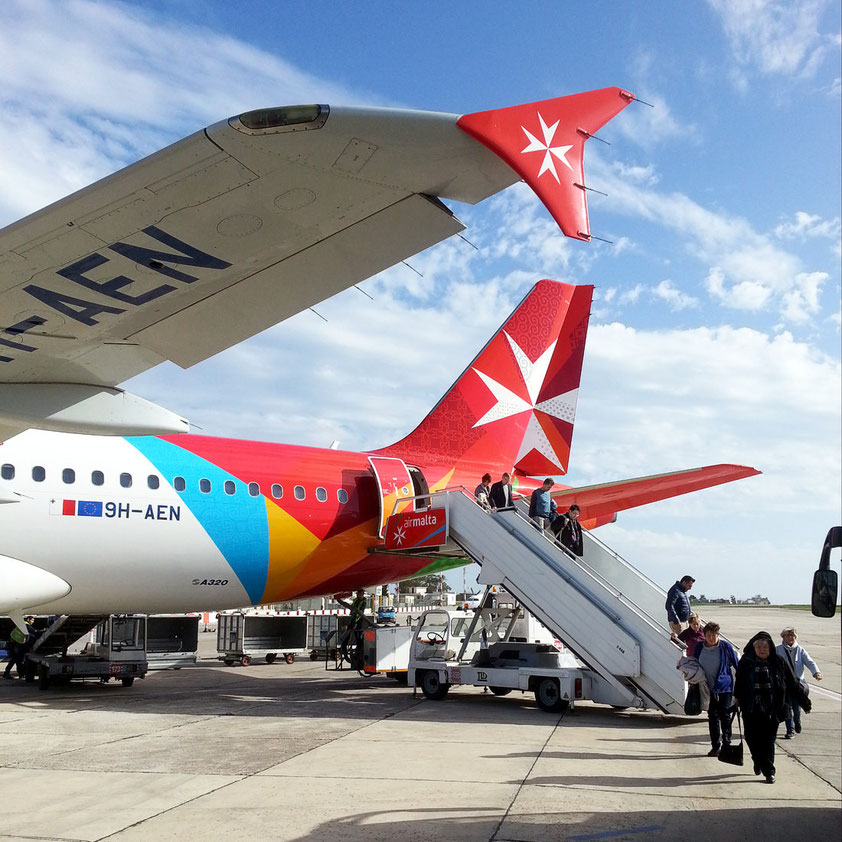 Ankunft auf dem Flughafen von Malta